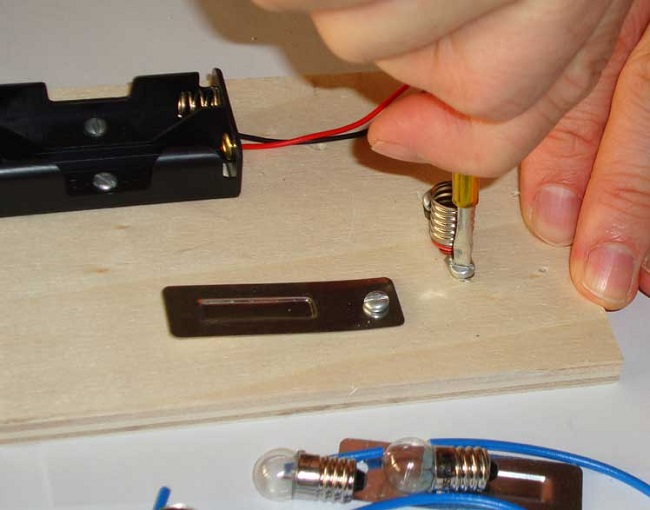 Basit elektrik devresi nasıl yapılır