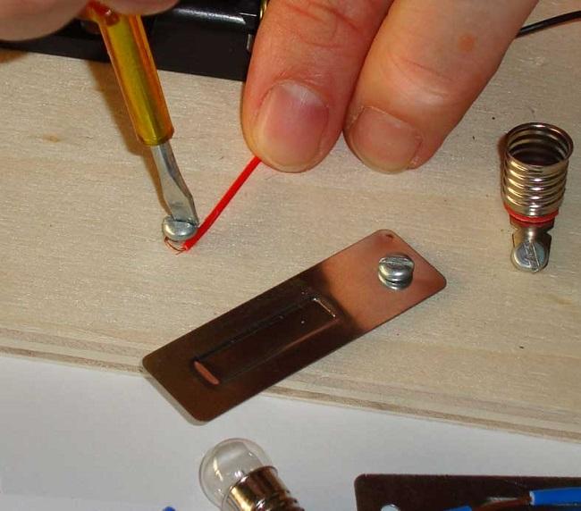 Okul öncesi elektrik deneyi